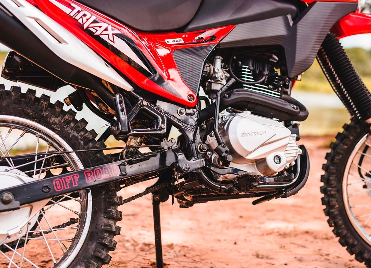 Motocicleta-Triax-200-vista15